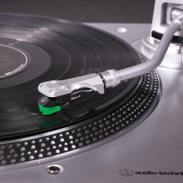 Audio-Technica AT-LP120X silber